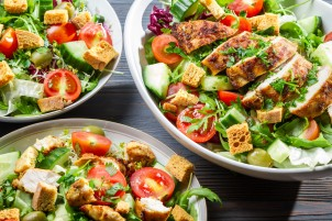 istock_22667702_salads_with_vegetables