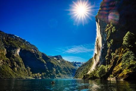 Geiranger fjord, waterfall