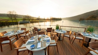 Aquavit_Deck_at_Sunset