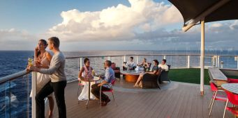 Celebrity Cruises: Sunset Bar