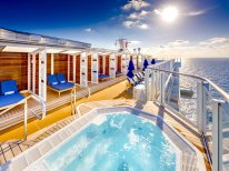 Vibe Beach Club on Norwegian Bliss